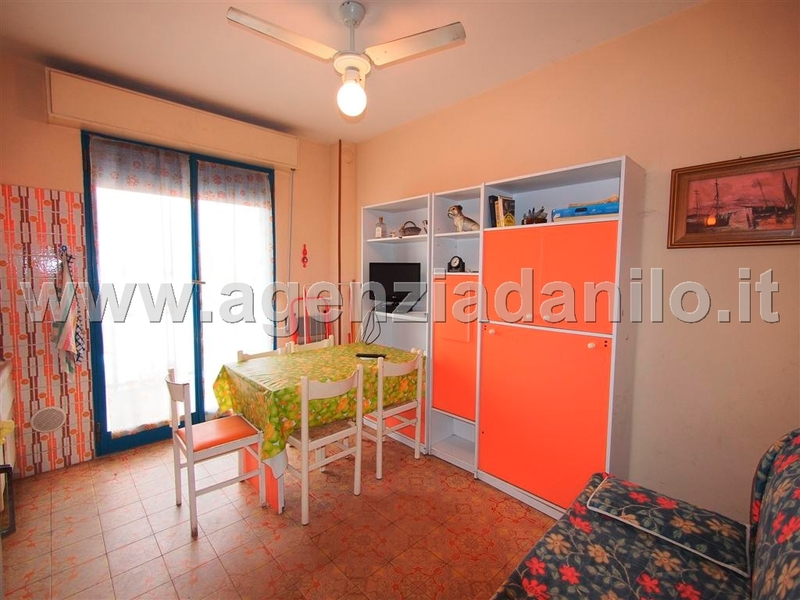 living room - sale apartment Ferrara beaches