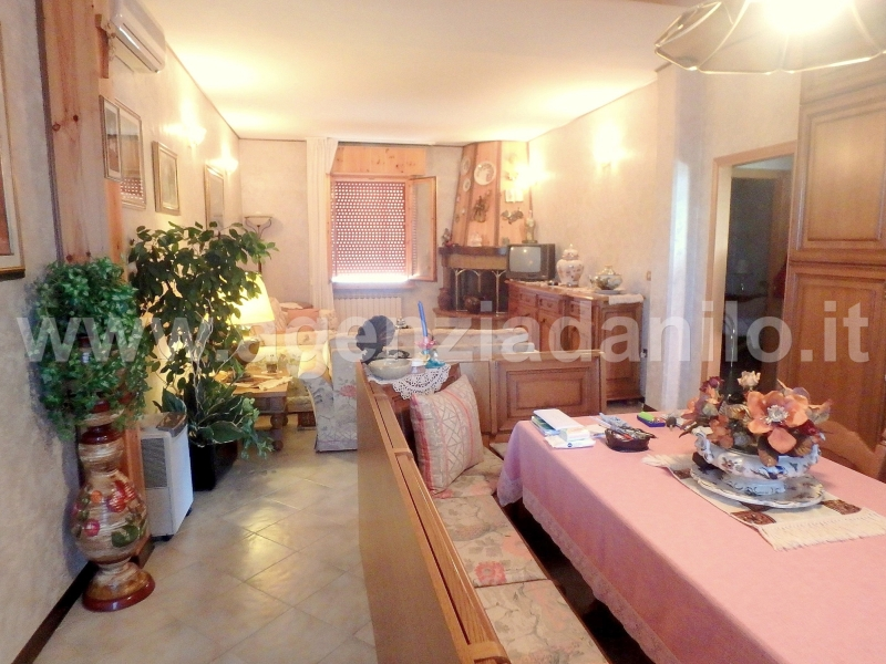 Living room - sale house Ferrara beaches Agenzia Danilo